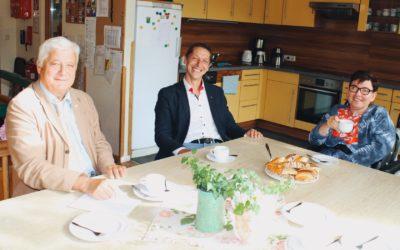 Kaffeehaus-Gespräch Hanna Kamrat mit Walter Kopfsguter und Erwin Walter